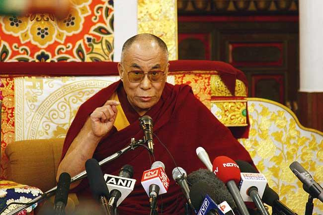 His Holiness the Dalai Lama talking to the media at a press conference after meeting with the participants of the 'special meeting', Nov. 23, 2008, (phayul photo/Tenzin Dasel)
